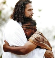 pelukan Yesus