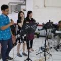 Singer Paskah Lansia