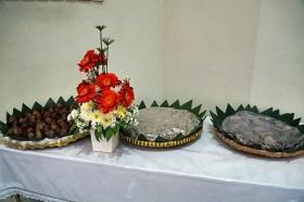 Bunga dan hasil bumi dipersembahkan dalam perayaan HUT RI 72