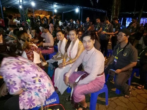 Namva dan teman-teman dari Thailand saat Misa Perutusan di Kaliori (01/08/2017)