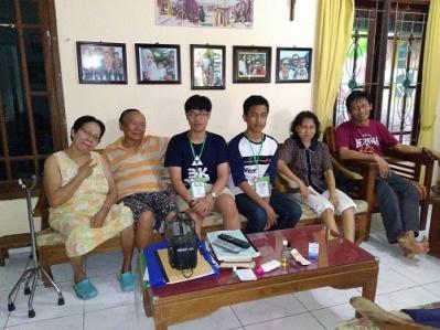 Keluarga Pak Nunung-kunjungan ke ketua Lingkungan