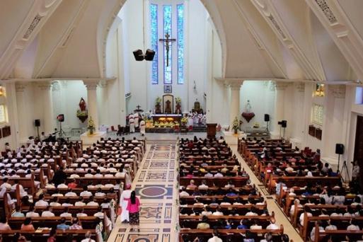 Gereja Katedral sebelum dimulai Salve Agung menjelang tahbisan Uskup (07/07/2017/foto Maxi P)