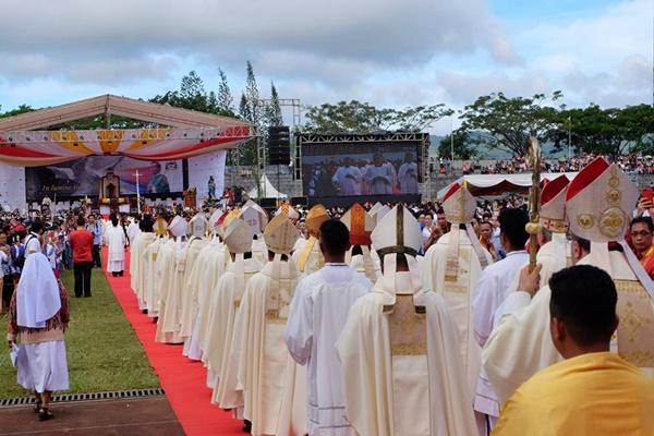 Tahbisan Uskup Manado