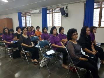 Ibu-ibu WKRI mengikuti Ekaristi Mengenang Arwah para pendahulu (07112017)