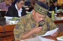 Sidang Kwi 2017-Mgr Narka sedang membaca agenda sidang