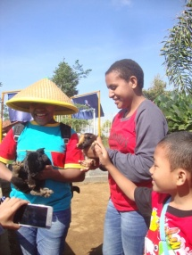 Liburan anak panti Bunda Serayu bersama WKRI St Theresa-4