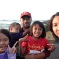 Aleta bersama keluarga