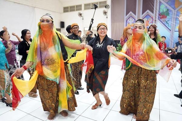 Ramah Tamah Suro-3