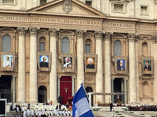 Misa kanonisasi 7 Santo-Santa baru 140818