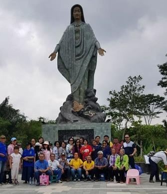 Di taman doa Gantang Sawangan Muntilan