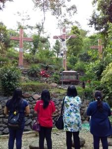 Jalan salib di Gua Maria Pereng Salatiga (211018)