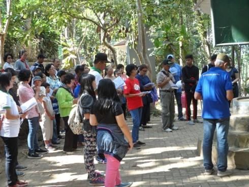 Jalan Salib di Gua Maria Pereng Salatiga
