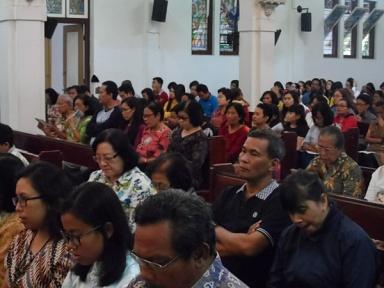 Perayaan ekaristi di Gereja Antonius Muntilan