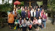 Foto bersama di Kapel Petronela Taroanggro