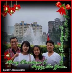 Bu Santi Wijaya bersama keluarga