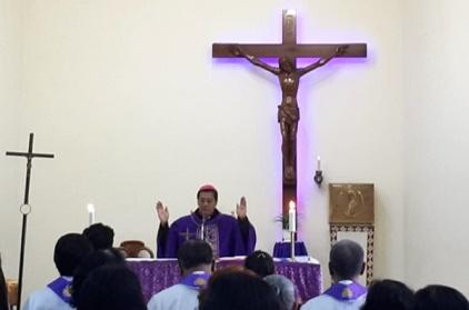 Mgr Tri Harsono memimpin misa di Stasi Sokaraja-3
