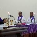 Mgr Tri Harsono memimpin misa di Stasi Sokaraja-4