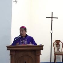 Mgr Tri Harsono menyampaikan homili dalam misa di stasi Sokaraja-2