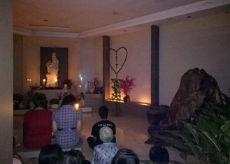 Rosario Earth Hour umat St. Ignatius 300319