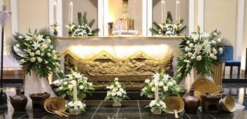 dekorasi altar di misa Kamis Putih