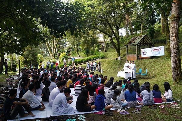 Misa Minggu Panggilan Sekami Dekteng di HG Baturaden 120519