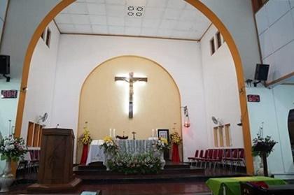 Altar Gereja Purworejo