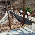 Jalan berliku menuju gua Maria