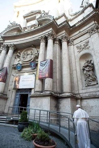 Paus Fransiskus di Roma-Minggu 15032020-3
