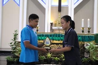 Penyerahan simbolis estafet tuan rumah Tukar Altar