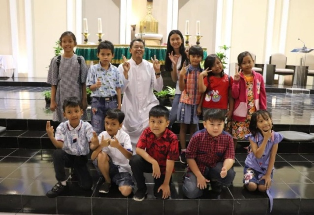 Sanyos Children Choir 2